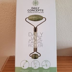 Daily Concepts Daily Jade Roller